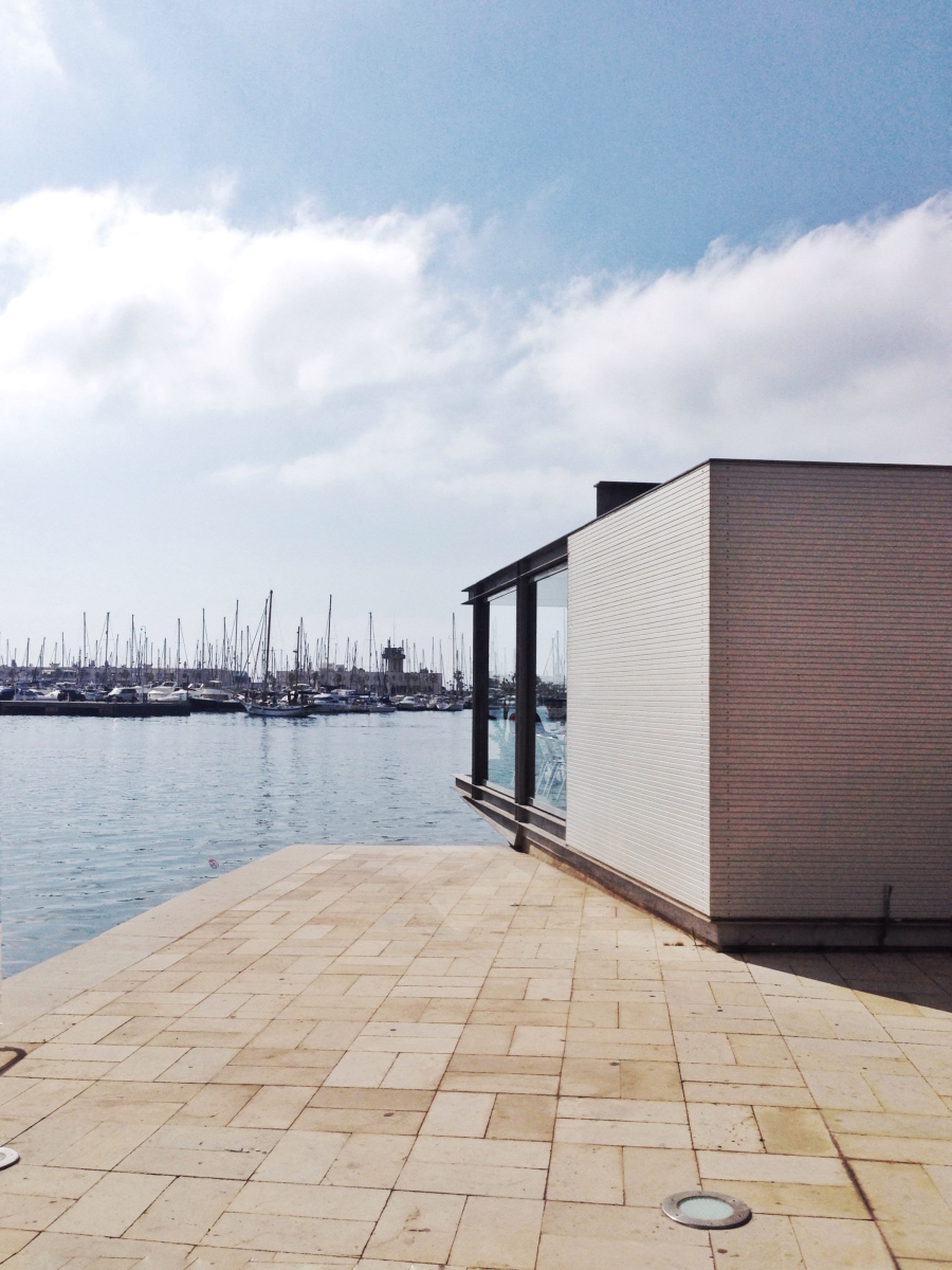 Muelle y edificio de servicios en el puerto, 2000. Alicante. Javier García-Solera